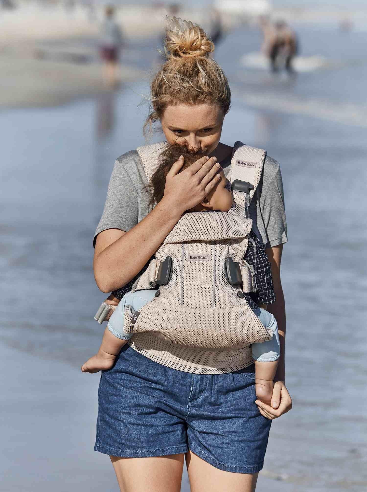 BABYBJORN ONE AIR 3D  - nosidełko, Perłowy Różowy