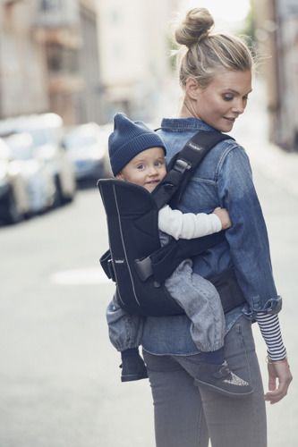 BABYBJORN ONE - nosidełko ergonomiczne, czarny